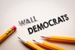 Κάνοντας τον τοίχο μέσα στους δημοκράτες από τη γόμα στοκ εικόνες με δικαίωμα ελεύθερης χρήσης