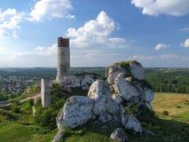 Καταστροφές του κάστρου Olsztyn στις φωλιές αετών ` trailof στοκ εικόνες