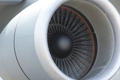 Κινηματογράφηση σε πρώτο πλάνο αεριωθούμενων μηχανών αεροπλάνου στοκ φωτογραφία
