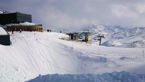 Κλίσεις του υποστηρίγματος Krippenstein του ορεινού όγκου Dachstein, Obertraun, Αυστρία απόθεμα βίντεο