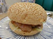 Κουλούρι μπριζολών χοιρινού κρέατος στο Χονγκ Κονγκ στοκ φωτογραφία με δικαίωμα ελεύθερης χρήσης