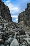 Κρύες βόρειες γκρίζες πέτρες Φυσική ανασκόπηση στοκ εικόνα