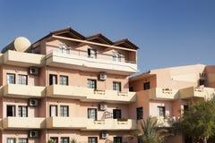 Κτήρια του ξενοδοχείου Fereniki σε Georgioupolis στοκ φωτογραφίες με δικαίωμα ελεύθερης χρήσης