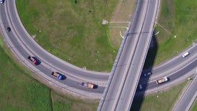 Κυκλοφορία στην εθνική οδό Ανταλλαγή μεταφορών απόθεμα βίντεο