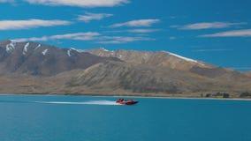 Λίμνη Tekapo με την αντανάκλαση του ουρανού και των βουνών, Νέα Ζηλανδία απόθεμα βίντεο
