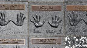 Λος Άντζελες, CA/USA: Την 1η Ιανουαρίου 2018: Handprints του καλάμου της Lou σε RockWalk στοκ εικόνες με δικαίωμα ελεύθερης χρήσης