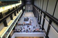 Μέσα στη στοά του Tate Modern, Λονδίνο στοκ εικόνες