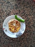 μαγειρευμένη ομελέτα στο τηγάνι στοκ εικόνες