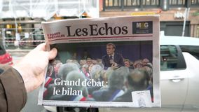 Μεγάλη σε αργή κίνηση πόλη debat και εφημερίδων του Emmanuel Macron απόθεμα βίντεο