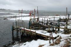 Μικρό χωριουδάκι αλιείας το χειμώνα στοκ εικόνες