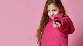 Μοντέρνο κορίτσι στο κάτω σακάκι στοκ φωτογραφία με δικαίωμα ελεύθερης χρήσης