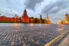 Μόσχα Κρεμλίνο, κάθοδος Vasilyevsky κοντά στον καθεδρικό ναό του βασιλικού του ST στοκ φωτογραφία με δικαίωμα ελεύθερης χρήσης