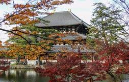 Ναός Todaiji το φθινόπωρο στο Νάρα, Ιαπωνία στοκ εικόνες