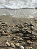 νεολαίες ενηλίκων ταπετσαρίες Θάλασσα στοκ εικόνες
