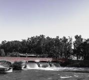 νερό που ρέει στον ποταμό στοκ εικόνες με δικαίωμα ελεύθερης χρήσης