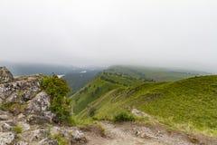 οι ημέρες altai διαρκούν το καλοκαίρι βουνών ποταμός Ρωσία Σιβηρία περιοχών altai katun στοκ φωτογραφία