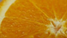 Οι πορτοκαλιοί νωποί καρποί περιστρέφονται φιλμ μικρού μήκους