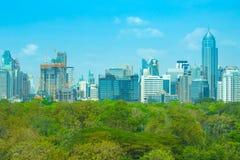 Ορίζοντας της Μπανγκόκ το βράδυ στοκ φωτογραφία με δικαίωμα ελεύθερης χρήσης