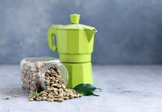 Οργανικά πράσινα σιτάρια καφέ στοκ φωτογραφίες
