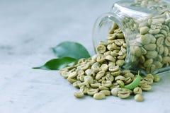 Οργανικά πράσινα σιτάρια καφέ στοκ φωτογραφία