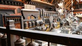 Ο αρχαίοι χαλκός και ο ορείχαλκος διακόσμησαν το ναό, Rudra Βάρνα Mahavihar, η μοναδική βουδιστική λάρνακα με την αφθονία των ροδ απόθεμα βίντεο