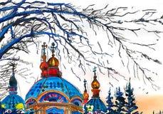 Ο καθεδρικός ναός στο ηλιοβασίλεμα και τα πουλιά πετούν το σπίτι στοκ εικόνα με δικαίωμα ελεύθερης χρήσης