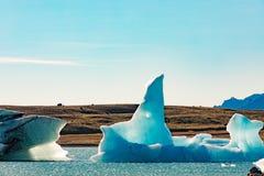 Ο μπλε παγετώδης πάγος σε Jokulsarlon Ισλανδία ΕΙΝΑΙ Ευρώπη στοκ φωτογραφία με δικαίωμα ελεύθερης χρήσης