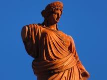 ΈΠ¼ α Î ³ άΠ¿ αίΠ‡ Ï  Î±Ï Î± ½ αλ, старая статуя стоковое изображение