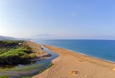 Î•,stuaries av flodNedaen på Peloponnesse, Grekland arkivfoto