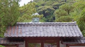 Διάσημη είσοδος ναών στο μεγάλο Βούδα σε Kamakura απόθεμα βίντεο