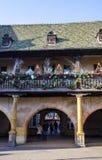 Διακοσμήσεις Χριστουγέννων στο townhall στην Αλσατία στοκ εικόνες