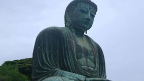 Διασημότερο ορόσημο σε Kamakura - ο μεγάλος Βούδας Daibutsu φιλμ μικρού μήκους