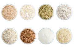 Διαφορετικοί τύποι δημητριακών στα γυαλικά άσπρος απομονώστε στοκ εικόνα με δικαίωμα ελεύθερης χρήσης