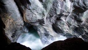 Δύσκολος στενός επάνω ρευμάτων νερού φαραγγιών στοκ φωτογραφία με δικαίωμα ελεύθερης χρήσης