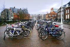 Î ` msterdam自行车 免版税库存照片