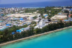 Île d'aéroport en Maldives Photographie stock libre de droits