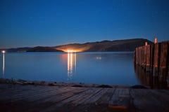 Île d'Olkhon la nuit Image libre de droits