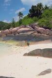 Île d'origine volcanique Baie Lazare, Mahe, Seychelles Images stock