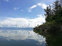 Île dans le lac Photographie stock libre de droits