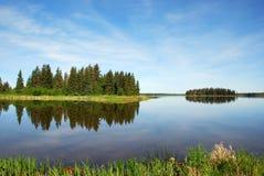 Île dans le lac Photos libres de droits