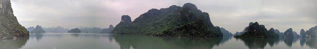 Île de Ba de chat par nuit, Vietnam photo libre de droits