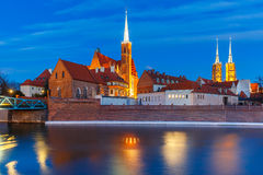Île de cathédrale la nuit à Wroclaw, Pologne photo libre de droits