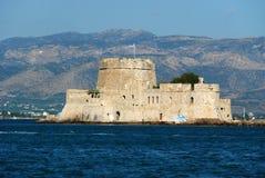 Île de château de Bourtzi dans Nafplion, Grèce - fond d'architecture photographie stock libre de droits