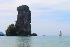 Île de chaux avec la navigation de bateau Photos libres de droits