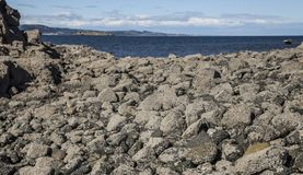 Île de Cramond, Edimbourg, Ecosse - les roches sur l'île images libres de droits