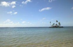 Île de désert minuscule en Hawaï Photos libres de droits