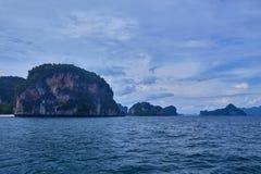 Île de Koh Hong avec le beau ciel vif photo stock
