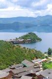 Île de lac images stock