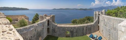 Île de Lopud, Croatie - forteresse de monastère photos stock