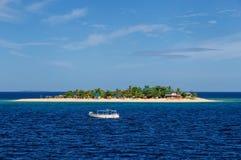 Île de mer du sud dans le groupe d'île de Mamanuca, Fidji image libre de droits